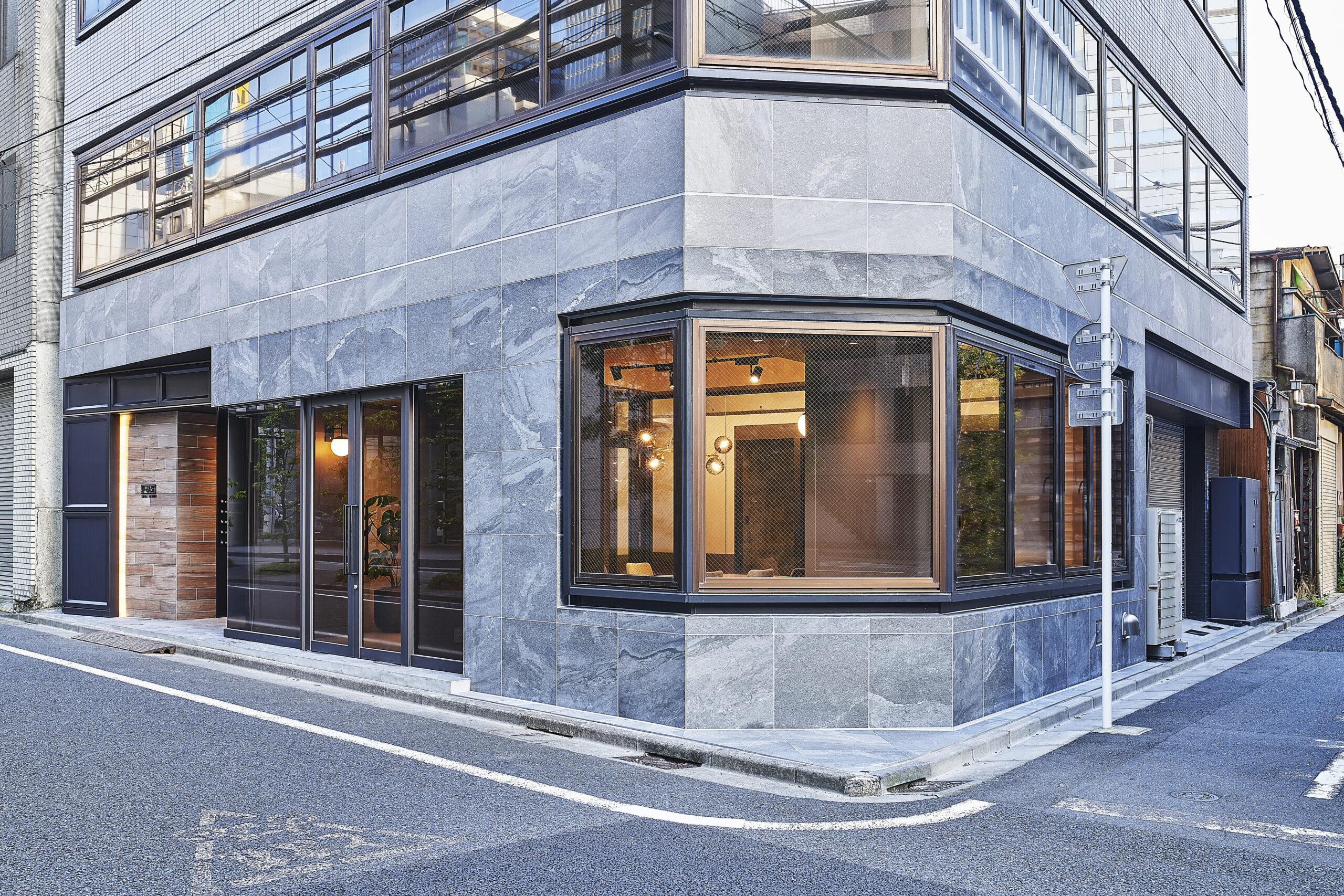 03_facade_day