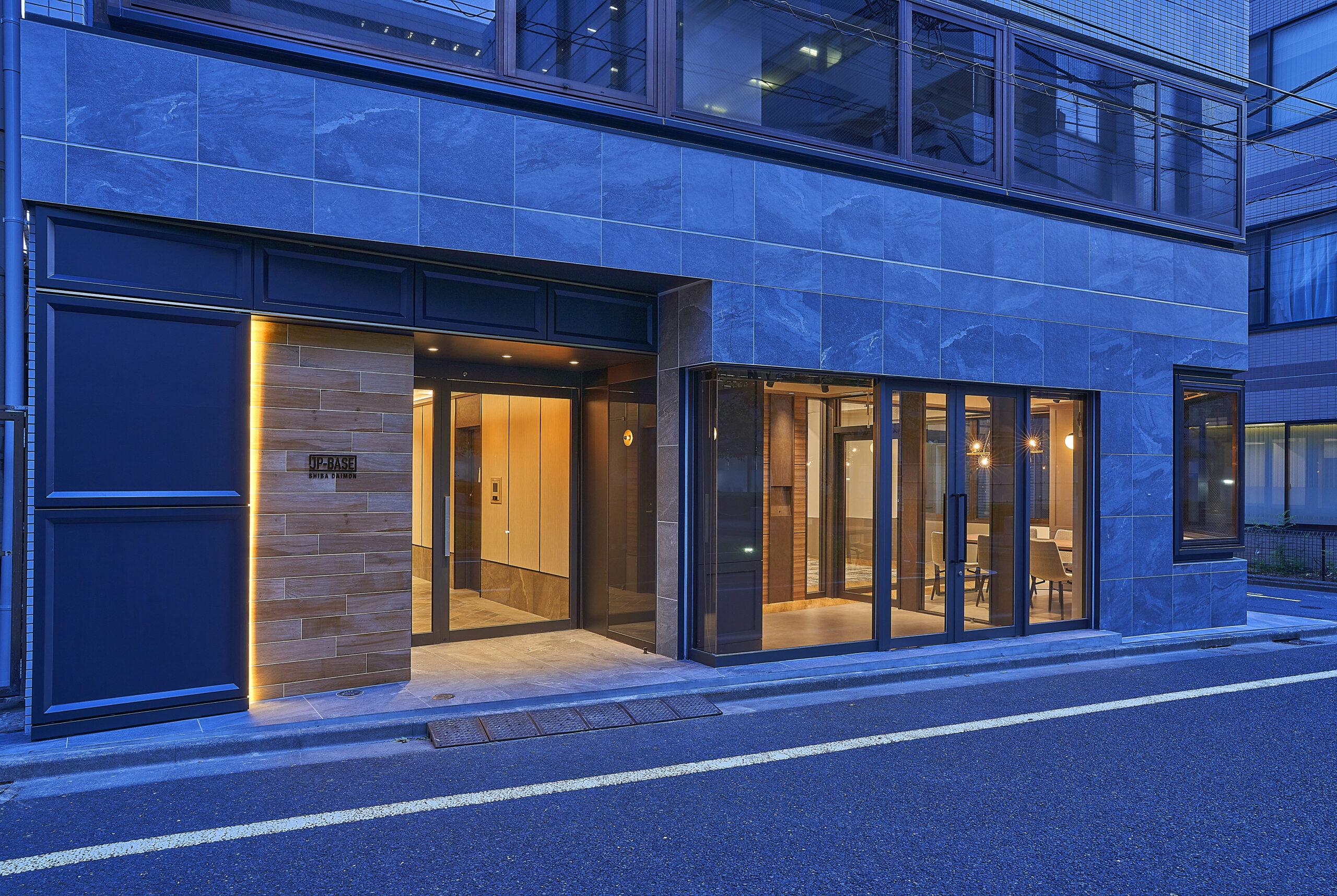 10_facade_night